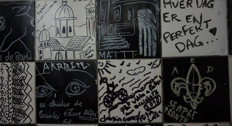 O Livro dos Azulejos do Lisbona Bar - Bairro Alto