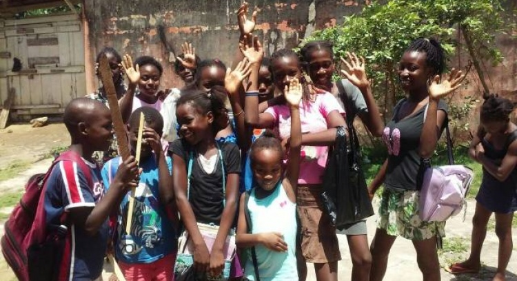 Educar Mais - Support in the acquisition of school material for children in São Tomé