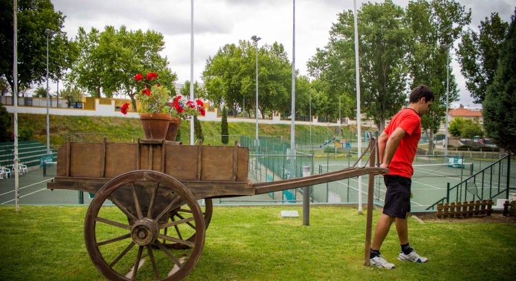 Uma carrinha para ir jogar ténis