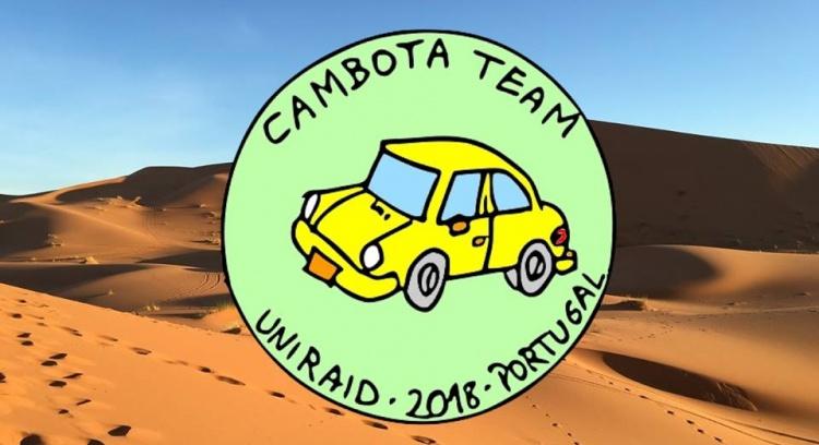 Cambota team pelo deserto marroquino com 30 kg de material solidário a bordo.