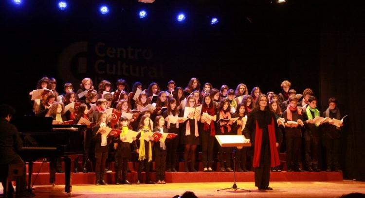 Gravação de um CD com música coral infantil de Sérgio Azevedo