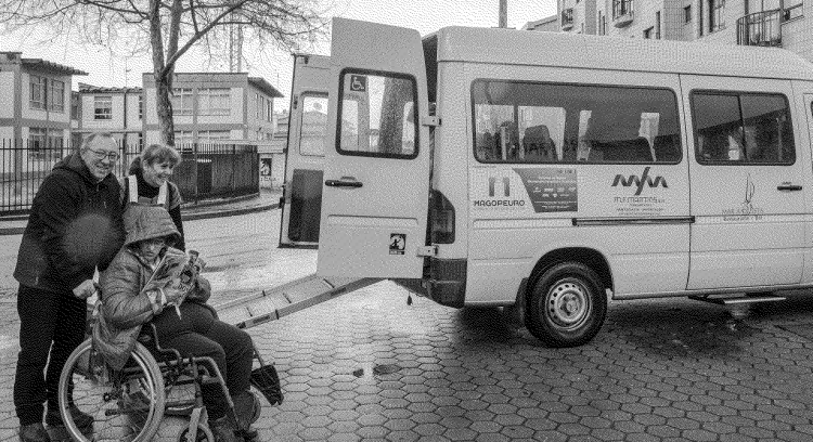 Help us to go further . Cercigaia needs a new van