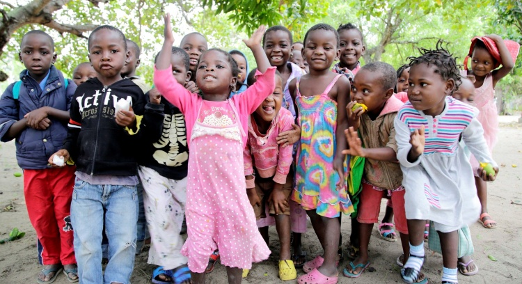 Ajuda-nos a construir a Aldeia Kutsaca