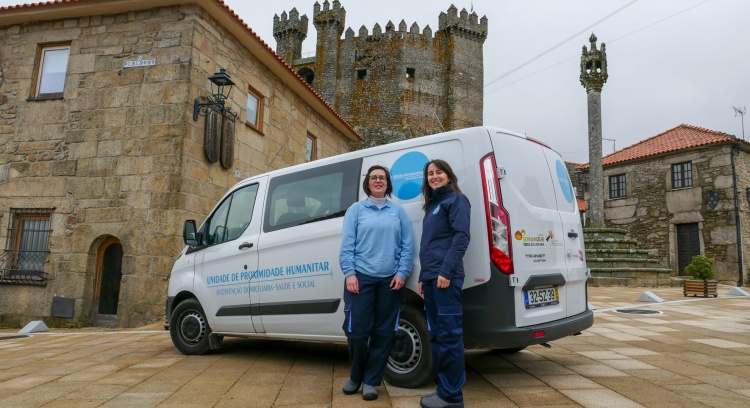 Humanitar beyond the door: a car that takes us to the house of those who need it