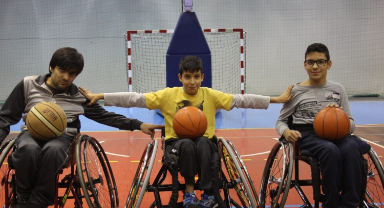 Purchase of low-cost wheelchairs to play Wheelchair Basketball