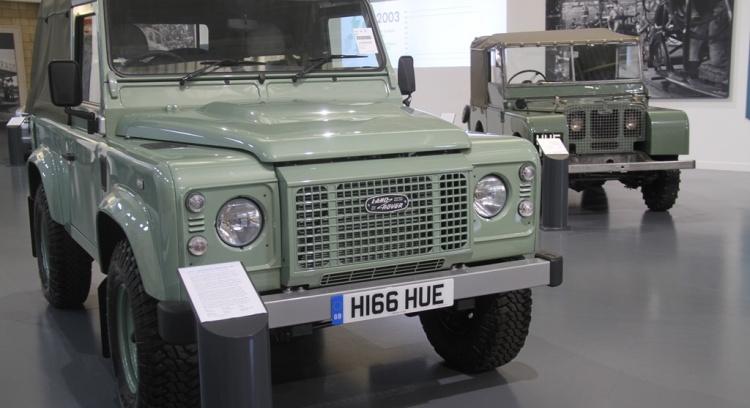 """Livro """"Land Rover em Portugal"""""""